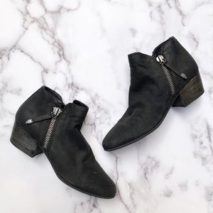 Dolce Vita | Black Leather Ankle Booties